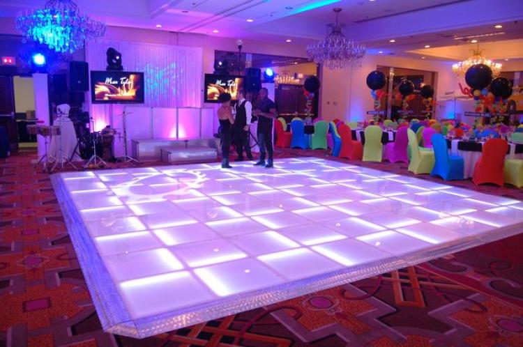 Glowing LED Dance Floor 20ft x 20ft