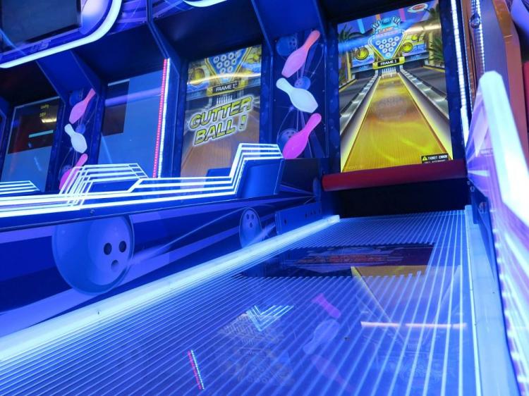 Bowling Arcade Game - Lane Master